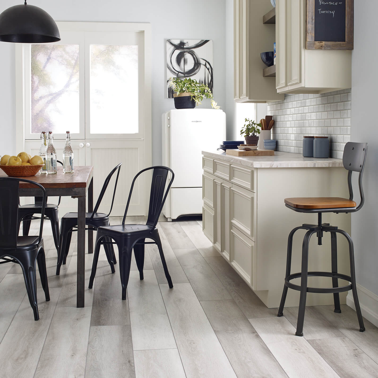 vinyl flooring in kitchen | Dolphin Carpet & Tile