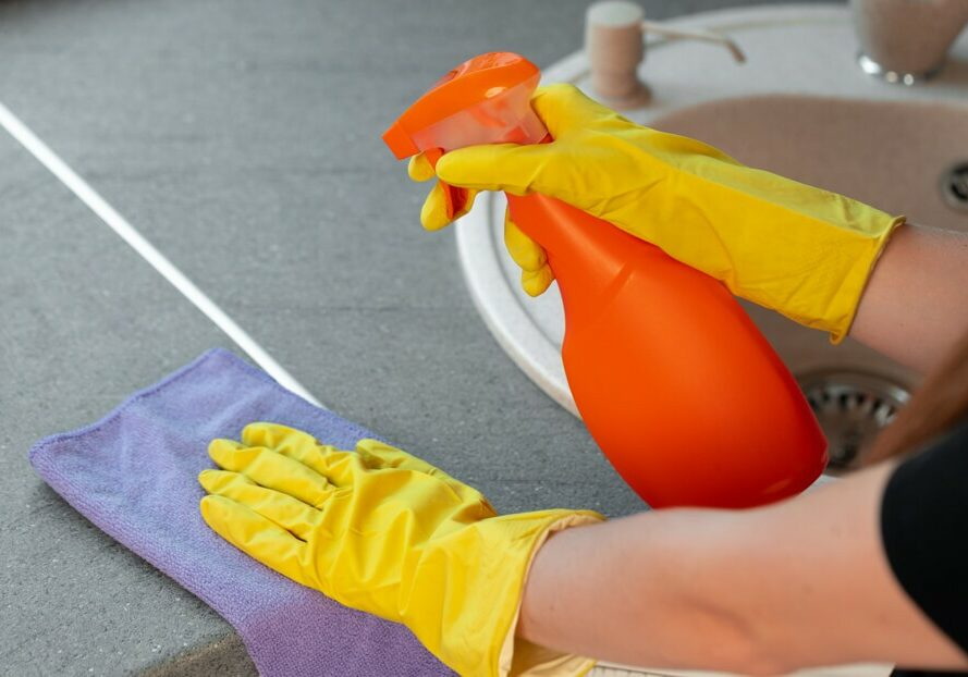cleaning tile | Dolphin Carpet & Tile