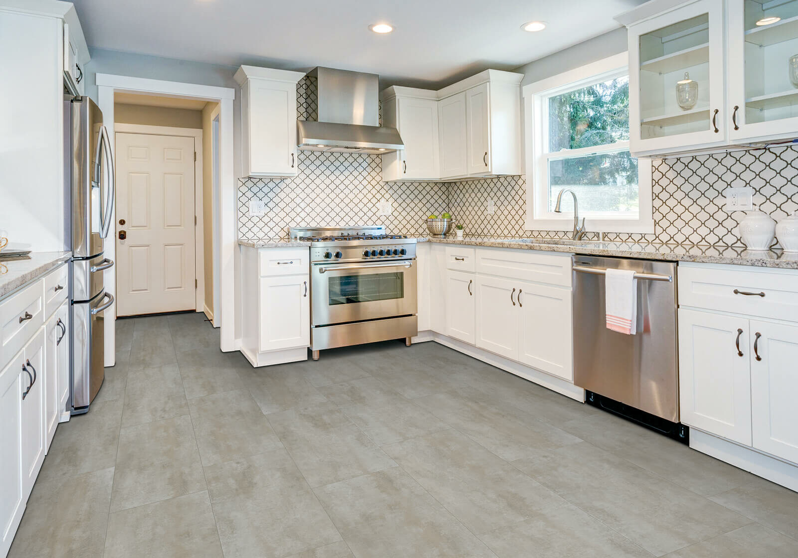 Laminate Flooring   Dolphin Carpet & Tile